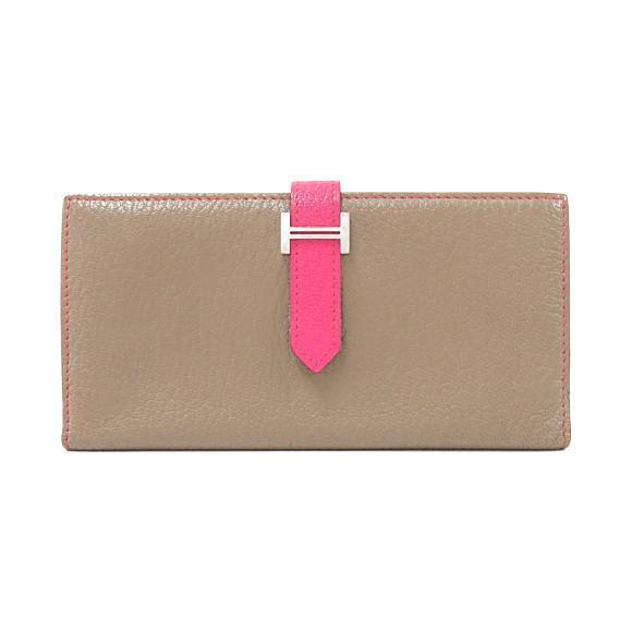 グレージュにピンクのベルトのエルメスの長財布