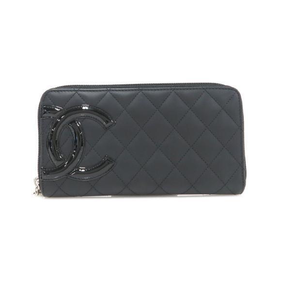 黒のシャネルの長財布