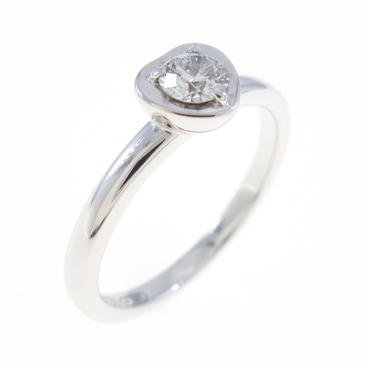 ハートのモチーフが付いたカルティエのシルバーの指輪