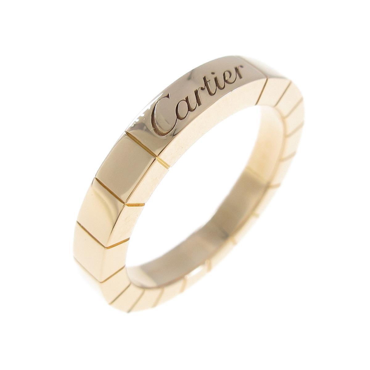 カルティエのロゴが入ったゴールドの指輪