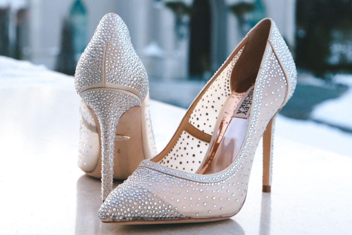 これで解決!結婚式へ履いていく靴のマナーとおすすめブランド