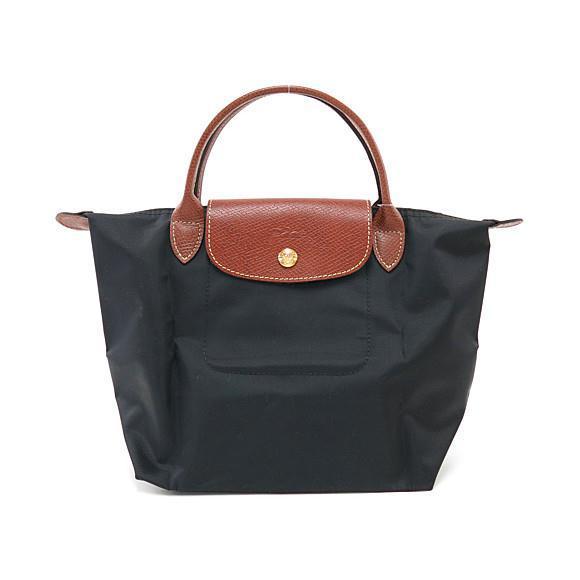 黒いロンシャンのバッグ