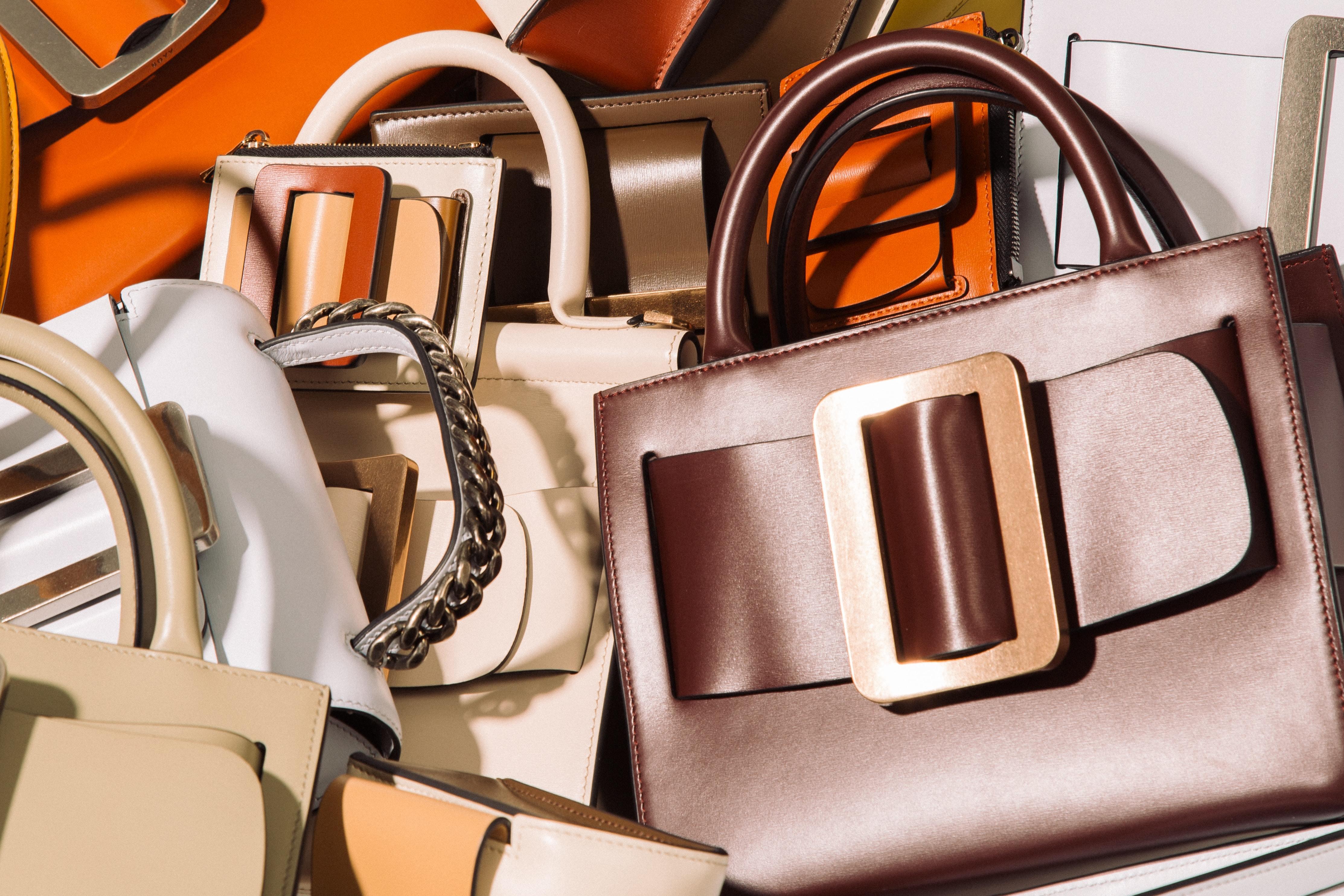 たくさんのバッグ