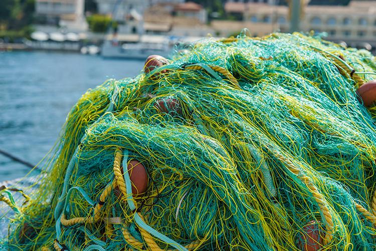 カラフルな漁獲網