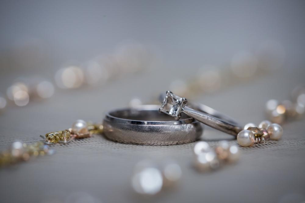 ダイヤのリングとパール