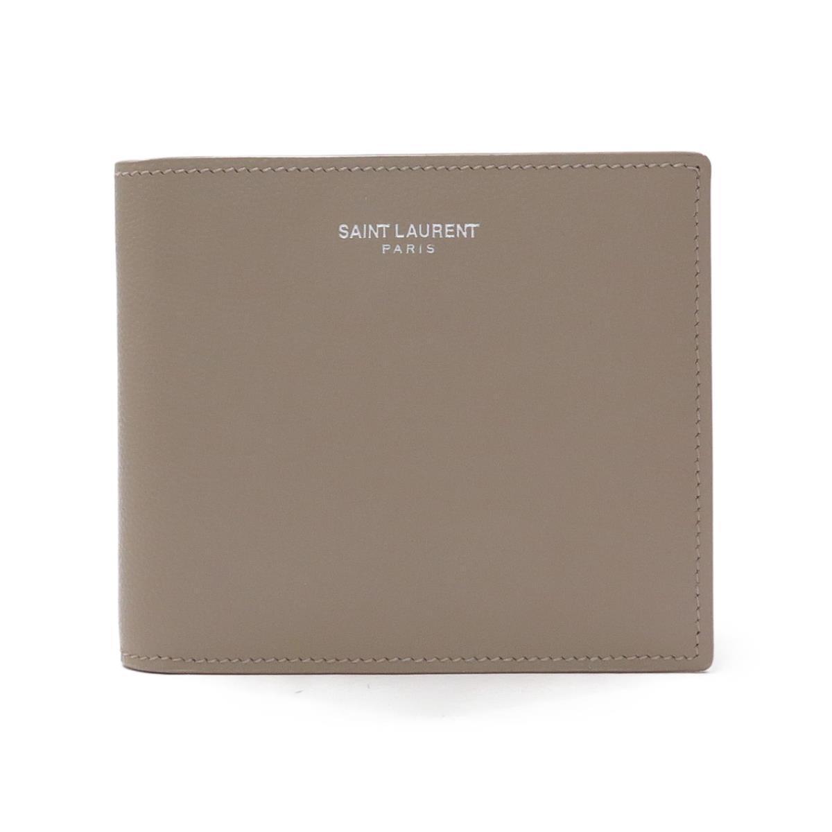 サンローランのベージュの二つ折り財布