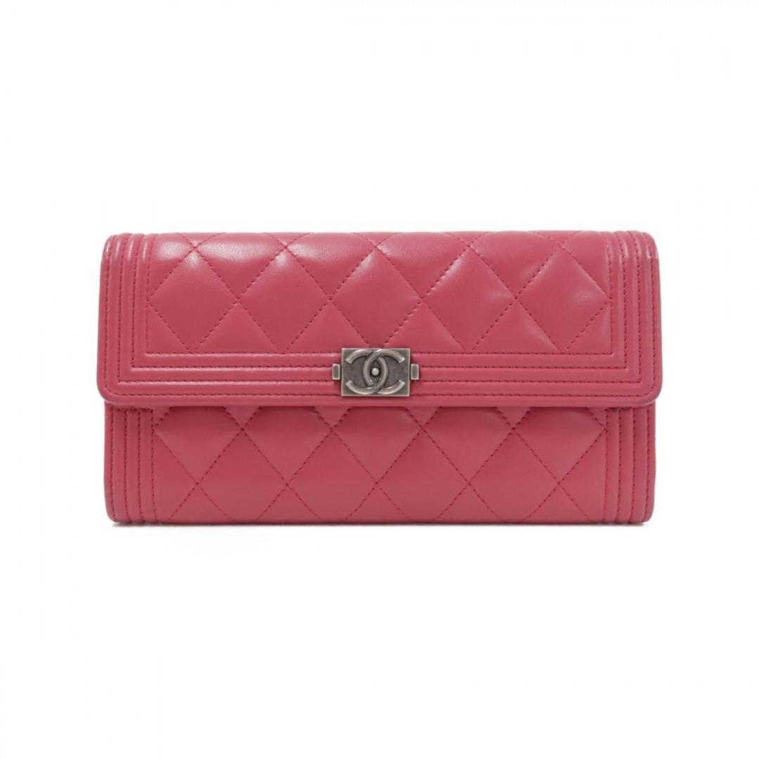 シャネルの財布(ラムスキン)
