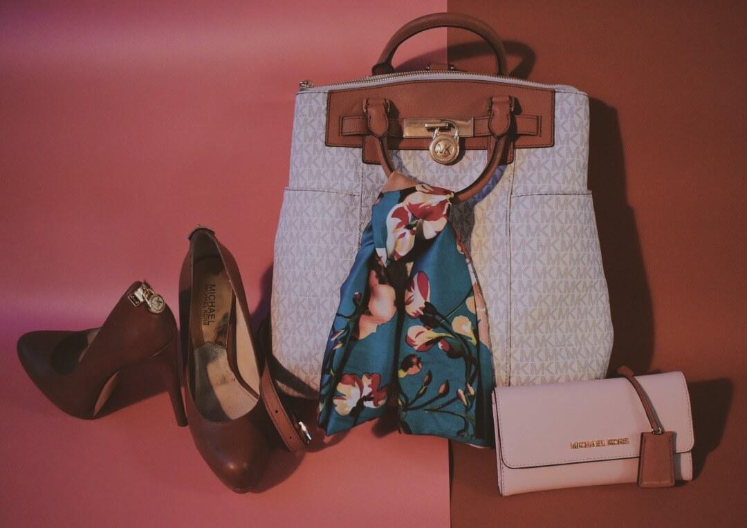 マイケル・コースのバッグ、靴、財布