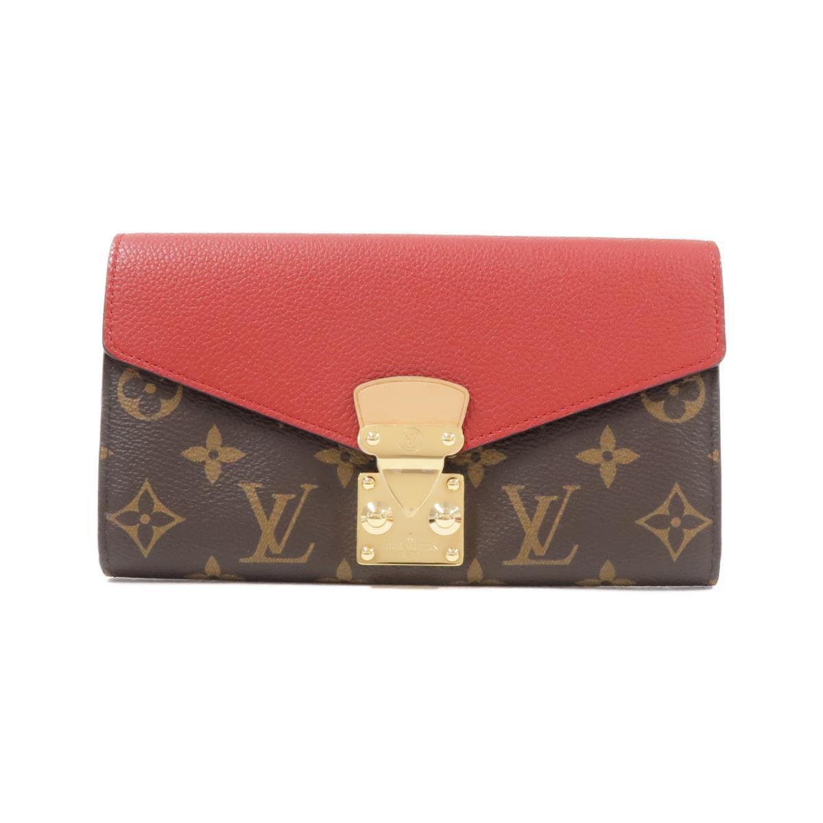 ルイ・ヴィトンのS字型ロック長財布