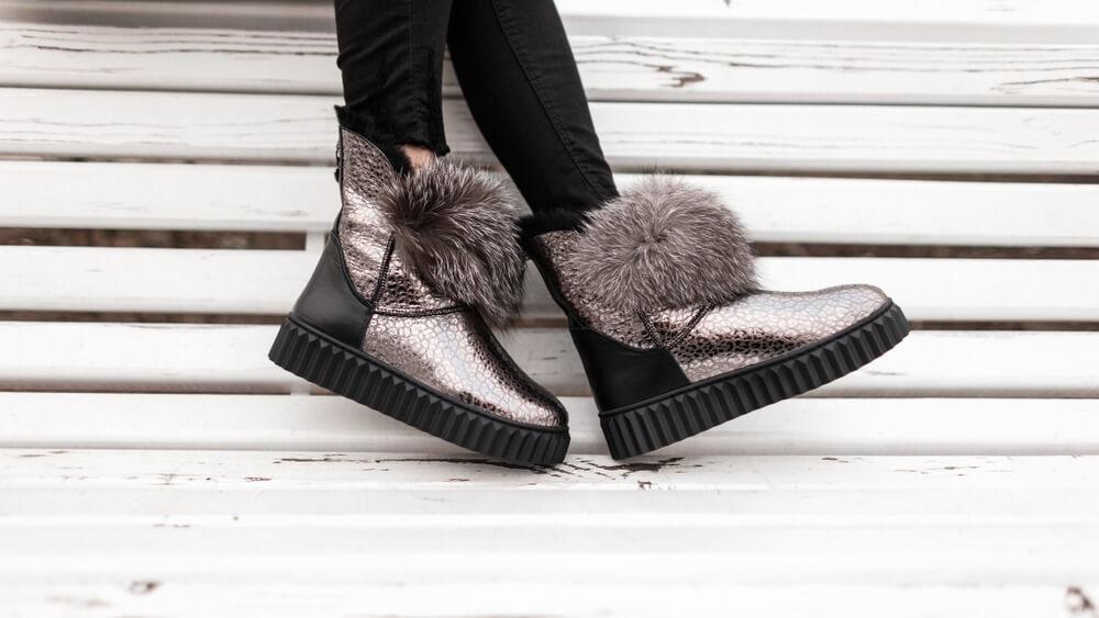 ファーのついた靴