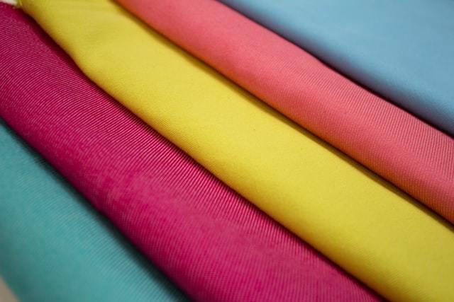 カラフルなスカーフ