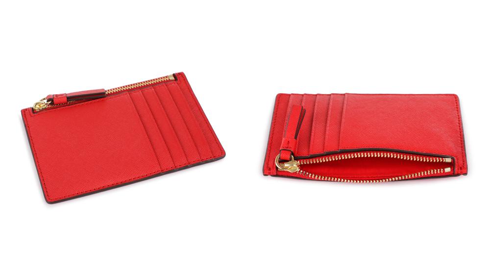 赤いカードケース