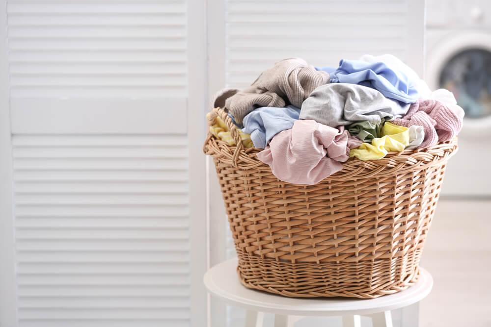 かごに入った洗濯物