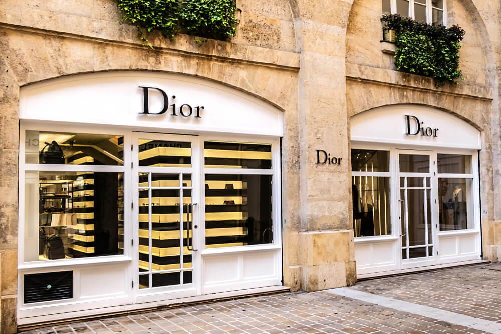 フランスのDior店舗入り口