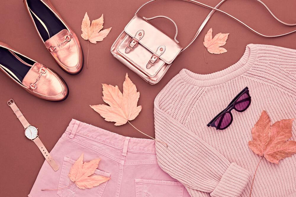 落ち葉とファッションアイテム
