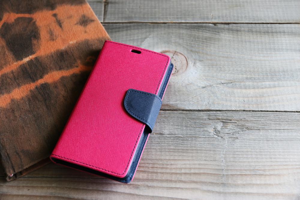 手帳型のiPhoneケース