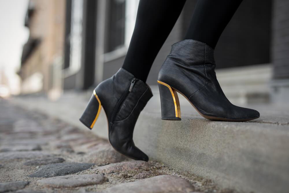 本革ブーツのお手入れは簡単4ステップ!正しい方法や素材別のお手入れ方法も解説♡